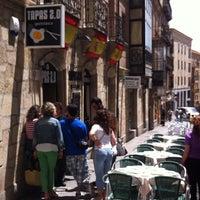 Photo taken at Tapas 2.0 by Itzi C. on 6/9/2012