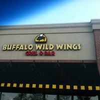 7/12/2012 tarihinde Mollyziyaretçi tarafından Buffalo Wild Wings'de çekilen fotoğraf