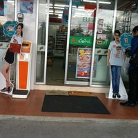 Photo taken at 7-Eleven by 🎀Kwan K. on 8/25/2012