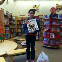 Photo taken at Barnes & Noble by Darlene W. on 2/13/2012