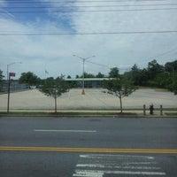 Photo taken at MTA Bus - Eltingville Transit Center by Natalia B. on 7/21/2012
