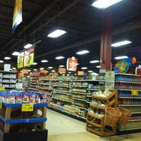 Photo taken at Giant Eagle Supermarket by Joni N. on 8/7/2012