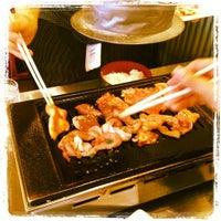Foto diambil di Jimbocho Shokuniku Center oleh Aki I. pada 5/15/2012