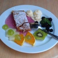 Снимок сделан в Віденська кав'ярня / Vienna Cafe пользователем Yury T. 8/2/2012