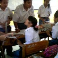 Photo taken at SMAN 1 Kuta Utara by Triska G. on 8/14/2012