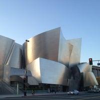 Foto tomada en Walt Disney Concert Hall por Joanne P. el 5/8/2012
