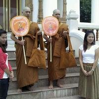Photo taken at Wat Wachiralongkon Wararam Worawihan by boy b. on 6/23/2012