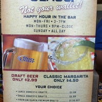 Photo taken at Chili's Grill & Bar by Lilo C. on 5/27/2012