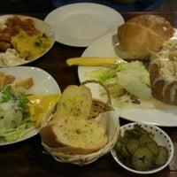 Photo taken at 아그네스 pasta by Julia K. on 5/10/2012