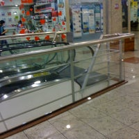 Photo taken at Shopping Jardim das Américas by Ivie H. on 5/23/2012