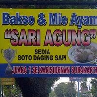 Photo taken at Pasundan Wisata Kuliner by Mas'ud A. on 5/20/2012