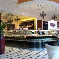 Foto tirada no(a) Круассан-кафе por Никита И. em 9/4/2012