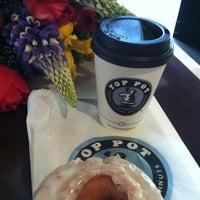 Das Foto wurde bei Top Pot Doughnuts von a l. am 5/17/2012 aufgenommen