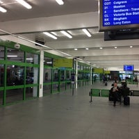 Foto tirada no(a) Broadmarsh Bus Station por Peter F. em 4/6/2012
