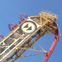 Photo taken at Hollywood Rip Ride Rockit by Robert Barber R. on 8/4/2012