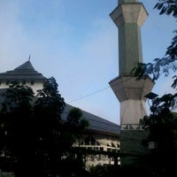 Photo taken at Masjid Agung Al-Ukhuwwah by Amir S. on 5/17/2012