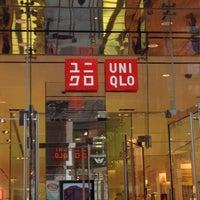Снимок сделан в UNIQLO пользователем Clarissa M. 4/6/2012
