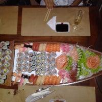 Foto tirada no(a) Sushi Yama por Felipe L. em 2/5/2012