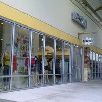 Photo taken at Papaya by Moni on 8/20/2012