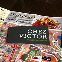 รูปภาพถ่ายที่ Chez Victor โดย Michael J. เมื่อ 4/24/2012