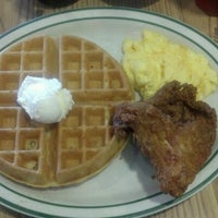 Photo taken at Penfold's Cafe and Bakery by Chad Eats W. on 6/16/2012