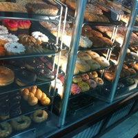 Photo taken at Yum Yum Donuts by Hoyon J. on 6/14/2012