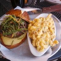 Foto diambil di Lockdown Bar & Grill oleh Lori K. pada 7/20/2012
