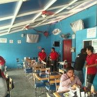 Foto tomada en Las Guacamayas por Edgar P. el 7/19/2012