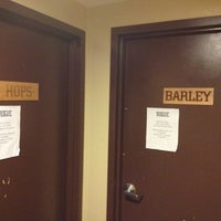 Das Foto wurde bei Rogue Hall von Caddy K. am 2/18/2012 aufgenommen