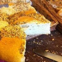 Foto scattata a SIS. Deli + Café da Matteus P. il 8/16/2012