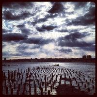 Das Foto wurde bei Riverside Park South von Pete L. am 4/9/2012 aufgenommen
