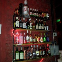 Снимок сделан в Sugar Bar пользователем Viviane T. 7/18/2012