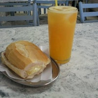 Photo taken at Polana Lanches (Bar do Edgar) by Felipe D. on 3/14/2012
