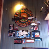 Photo taken at Chili's Grill & Bar by Thomas F. on 5/12/2012