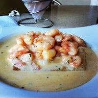 Foto tomada en Crepes & Waffles por Jacqueline el 9/9/2012