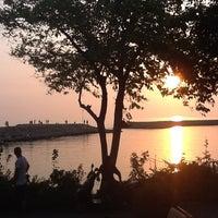 7/22/2012 tarihinde Erhan T.ziyaretçi tarafından Liman Restaurant Lounge Club'de çekilen fotoğraf