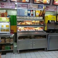 Photo taken at Burger King by Ömer Murat B. on 9/2/2012