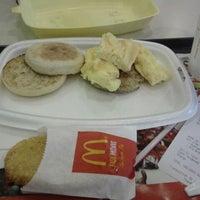 Photo taken at McDonald's / McCafé by Jiamin W. on 7/7/2012