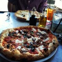 Снимок сделан в Settebello Pizzeria пользователем David R. 5/31/2012