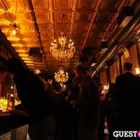 Das Foto wurde bei Tavern29 von 7th.List am 5/12/2012 aufgenommen