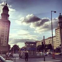 Das Foto wurde bei Frankfurter Tor von Rosa J. am 9/2/2012 aufgenommen