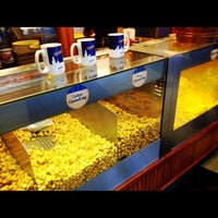 Photo taken at Garrett Popcorn Shops by Quinnton H. on 6/13/2012
