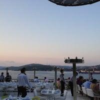 Foto tirada no(a) Kaşıbeyaz Bosphorus por Gorkem C. em 7/13/2012