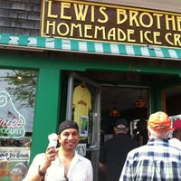 Photo taken at Lewis Brothers Ice Cream by Nicole T. on 5/26/2012