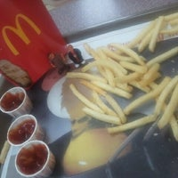 Photo taken at McDonald's by jonas on 8/31/2012