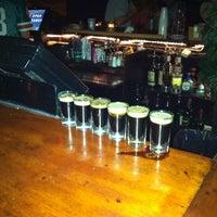 Foto tomada en The Bar por Indra R. el 8/30/2012