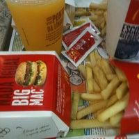 Foto tirada no(a) McDonald's por Nidia C. em 8/26/2012