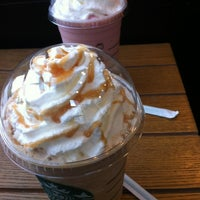 Photo taken at Starbucks by li y. on 5/16/2012