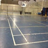 Photo taken at Neusa Basseto Badminton by Bruna on 8/7/2012