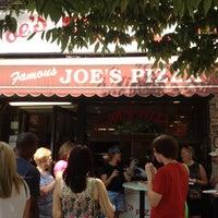 Foto tirada no(a) Joe's Pizza por Nicholas B. em 8/22/2012